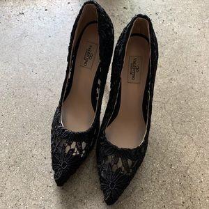 Shoes - Designer classic black lace pumps high heels